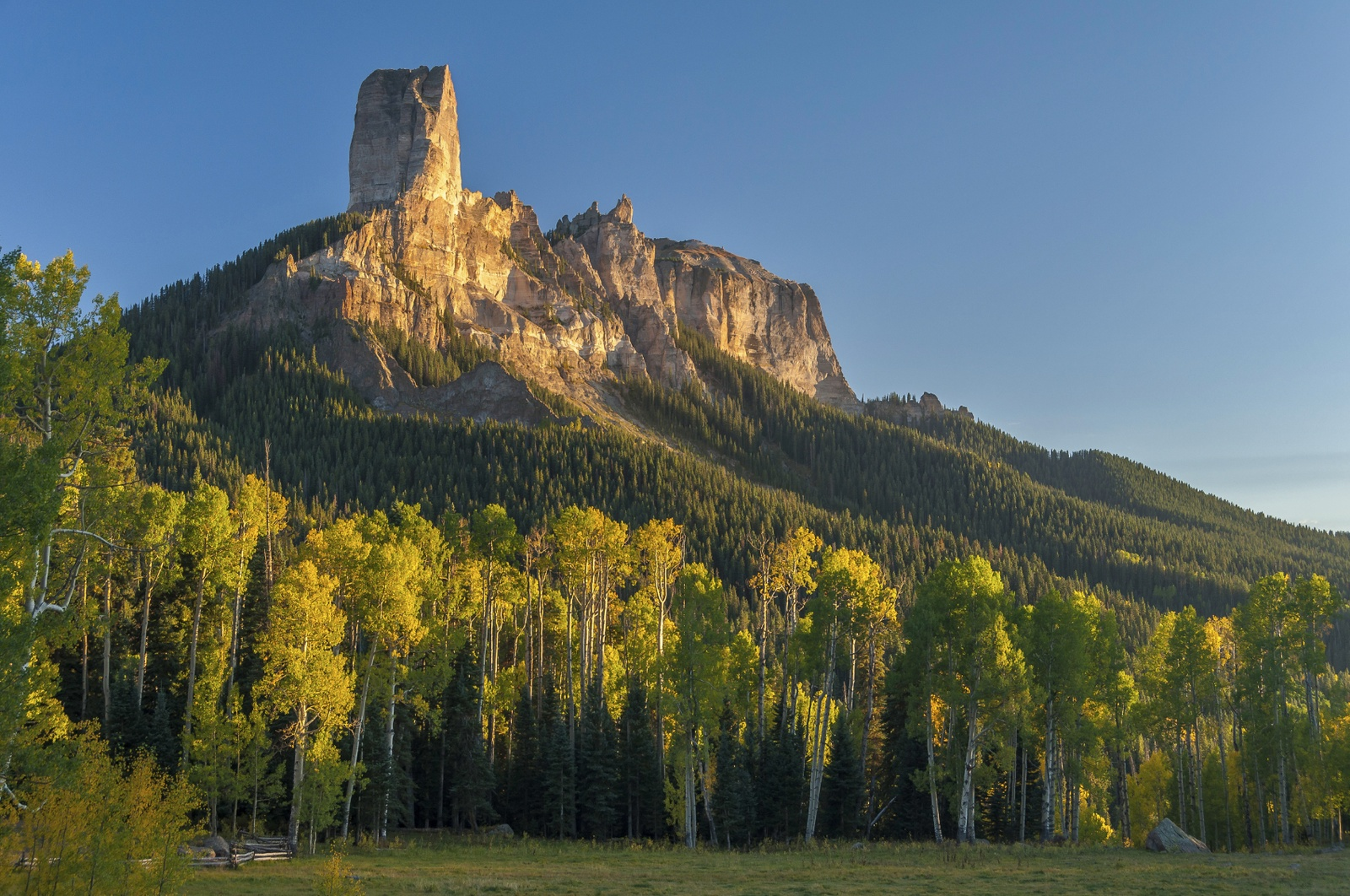 San Juan - Owl Creek Pass iStock_000076004395_Medium.jpg
