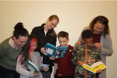 2000_CLC_parents_reading_with_kids_from_website_2_87.jpg